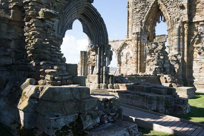 dracula abbey windows, architecture