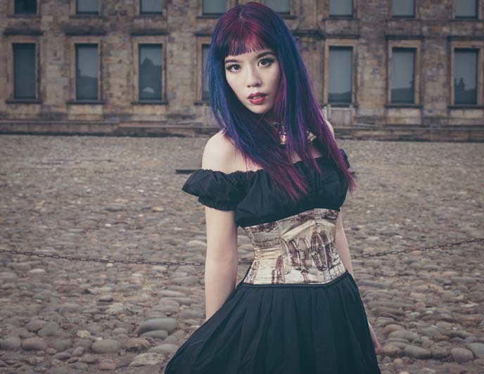 la carmina model, hair color