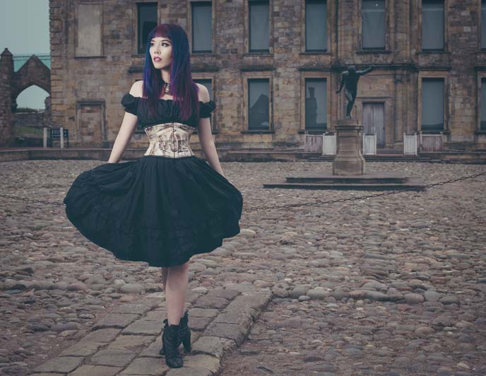 gothic model, female goth modeling
