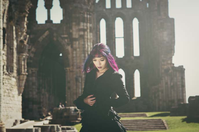 gothic vampire modeling, photoshoot