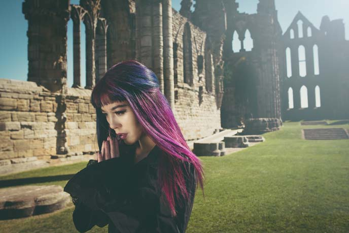 goth whitby abbey fashion