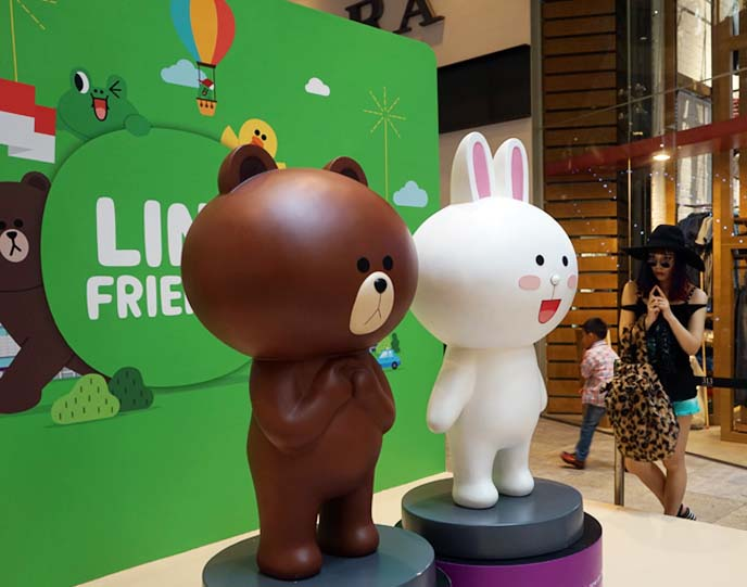 brown and cony line statues
