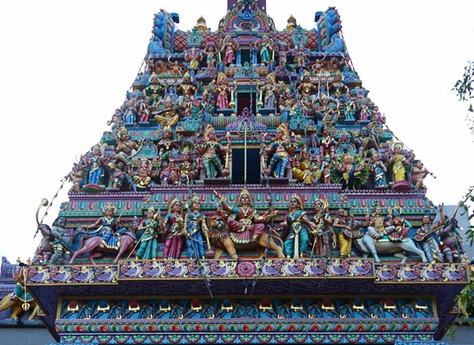 Sri Mariamman Temple singapore roof