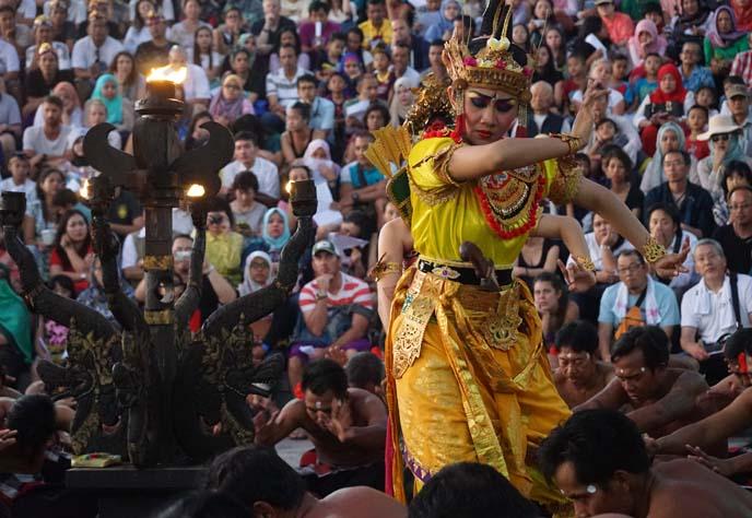 finger dancing girl, traditional Balinese Dance