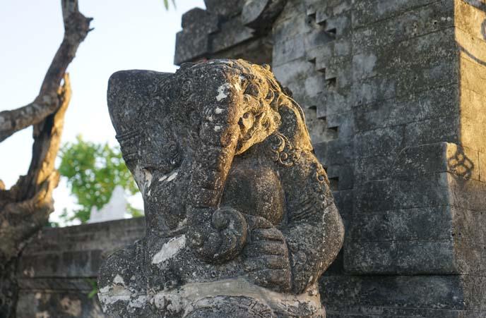 ganesha hindu statue uluwatu