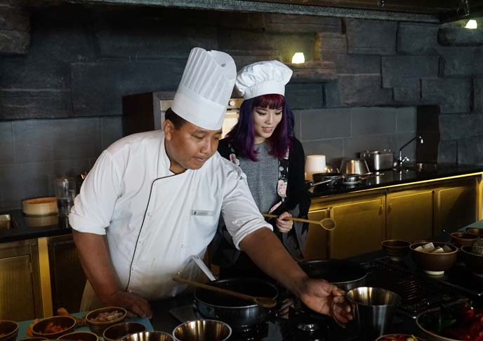 chef teaching bali cooking classes