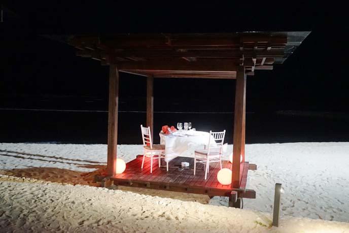 bali romantic dining on beach