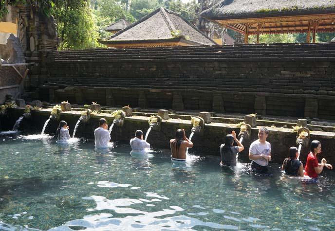 bathers bali Tirta Empul