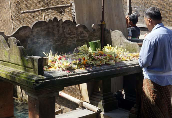 incense offerings tirta empul