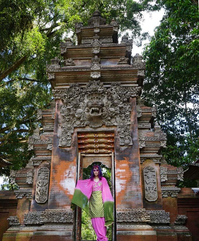 bali barong temple gate