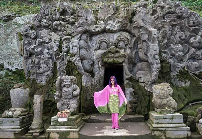 elephant cave entrance bali