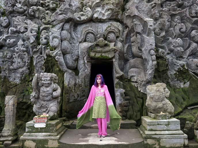elephant cave ubud bali
