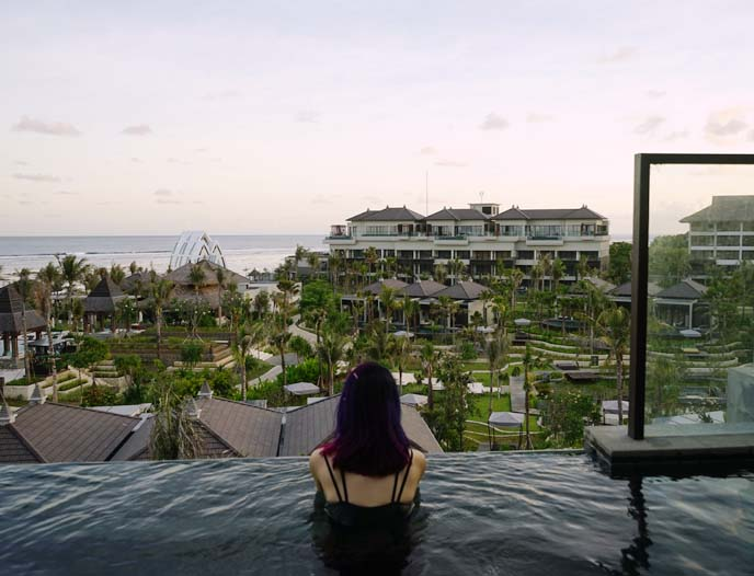 travel blogger infinity pool