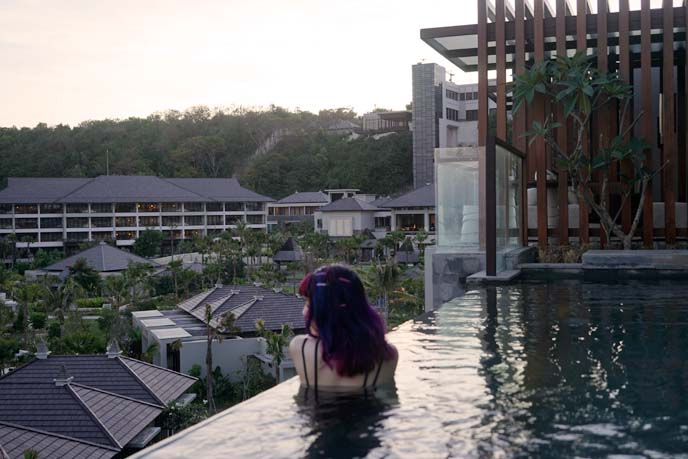 infinity swimming pool bali