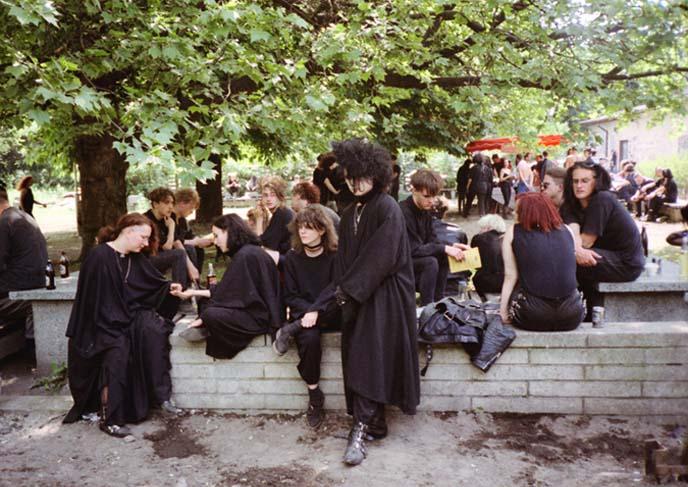1990s goths, 90s goth hair