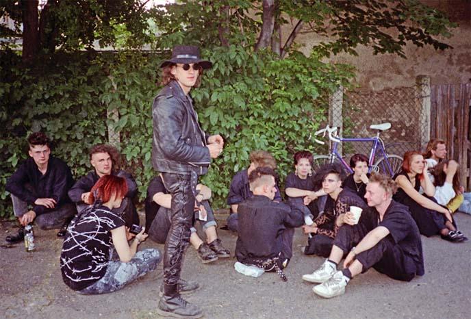 goth history, 80s gothic fashion