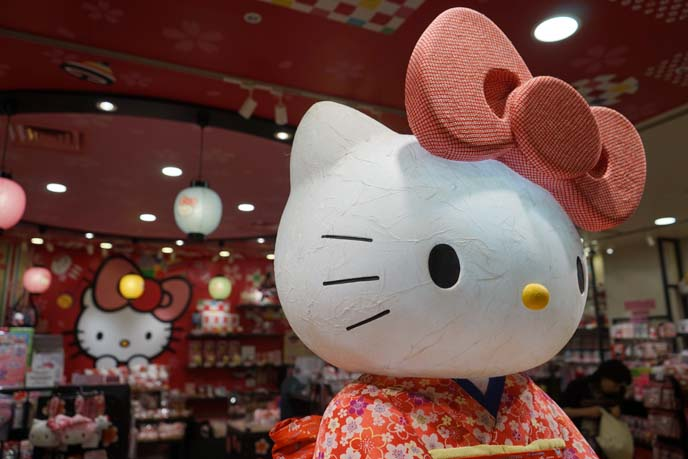 hello kitty haneda airport gifts store