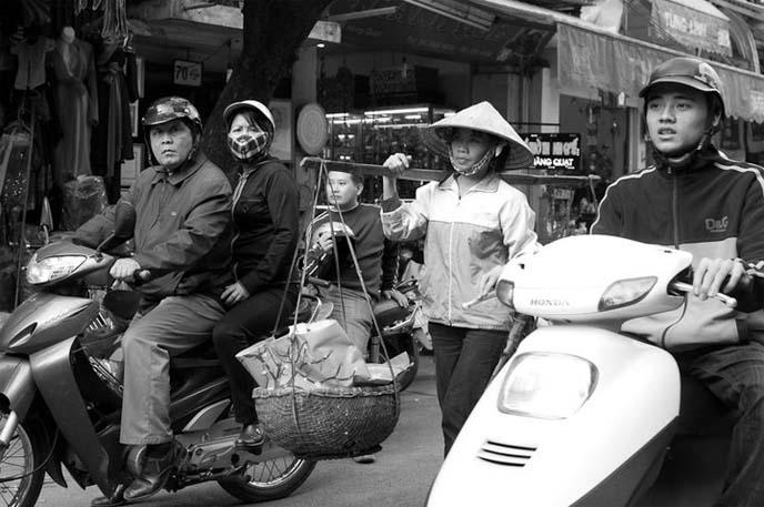 vietnam food tour, hanoi halong bay
