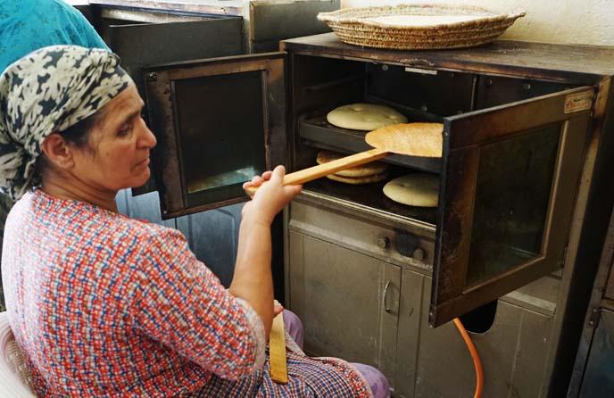 baking flat bread morocco