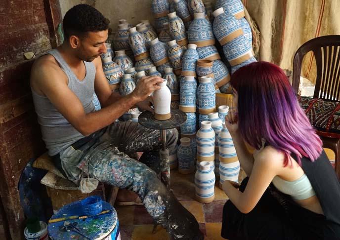 painting art vases, morocco market