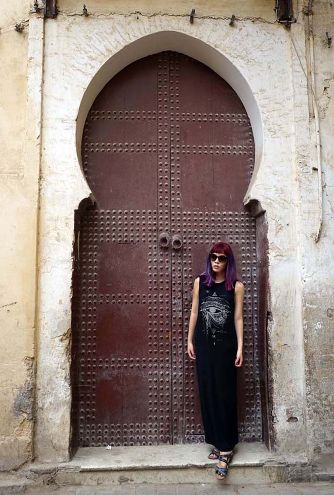 fashion blogger morocco door