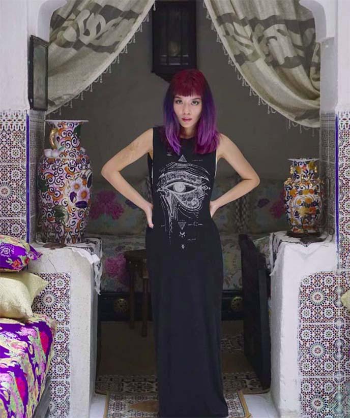 long egyptian dress, kohl eye