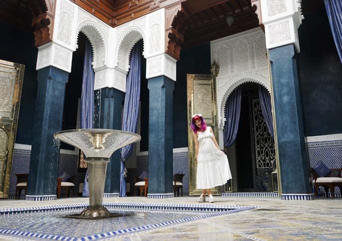 moroccan blue tiles, water fountain