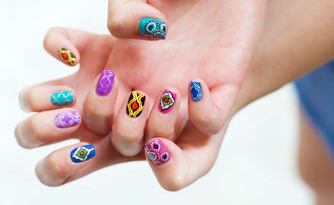 moroccan nail art, colorful nails