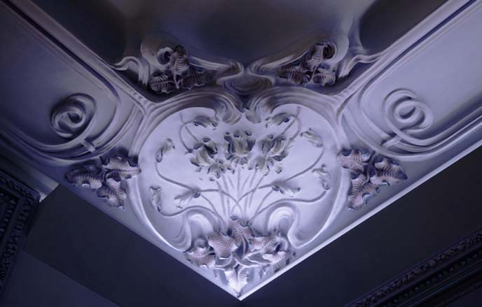 heart art nouveau carved ceiling