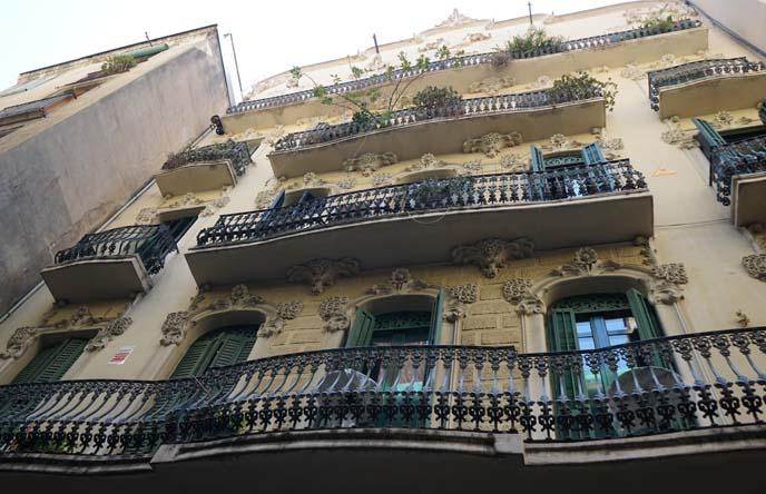 art nouveau balconies barcelona