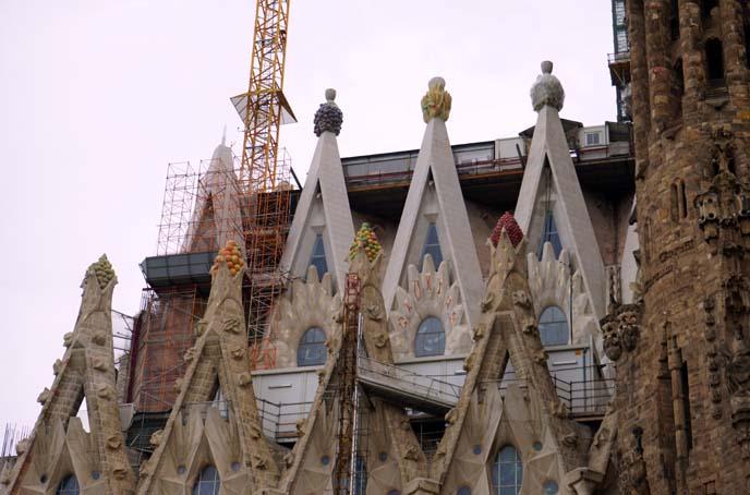 fruit carvings gaudi cathedral