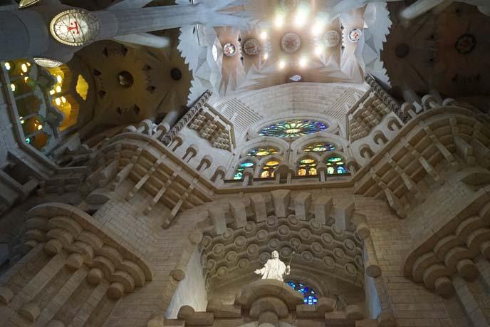 gaudi sagrada familia statues, architecture