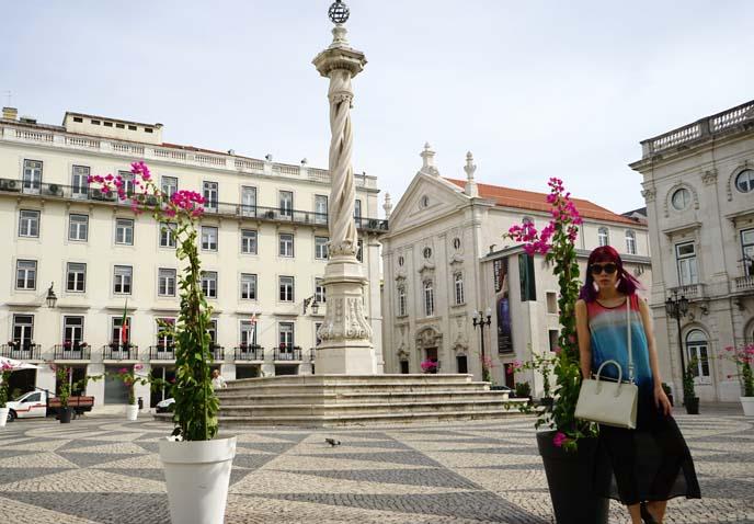 lisbon Municipio square statue