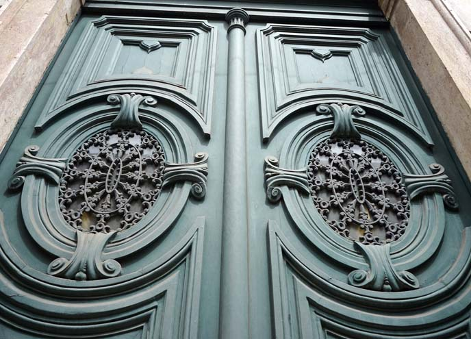 portuguese carved doors