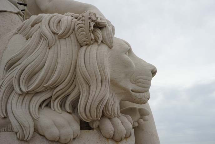 lisbon Rua Augusta lion statue