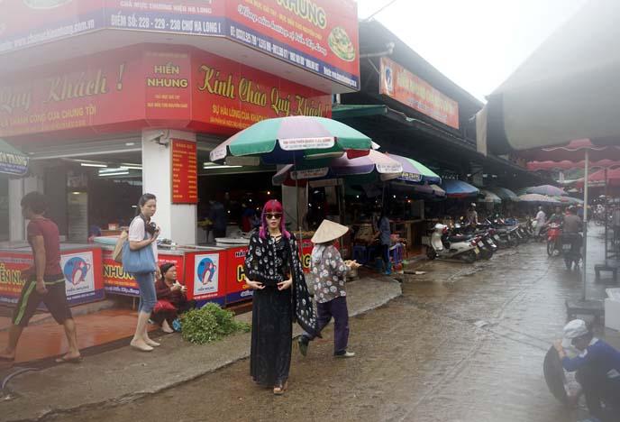 halong bay market