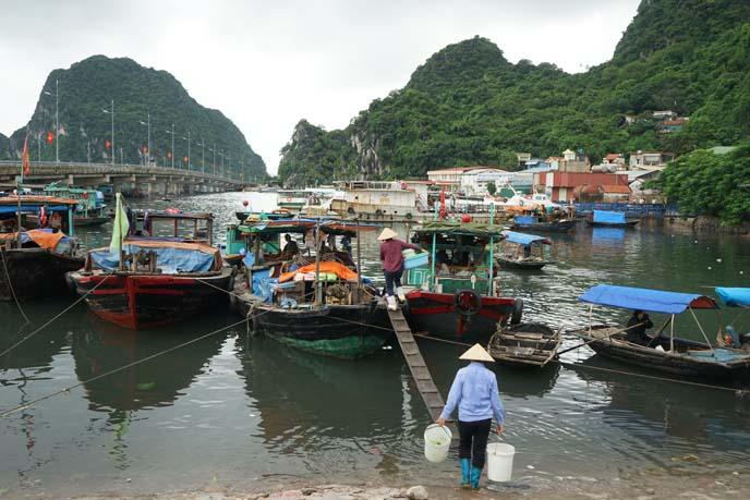 vietnamese fishermen, boats