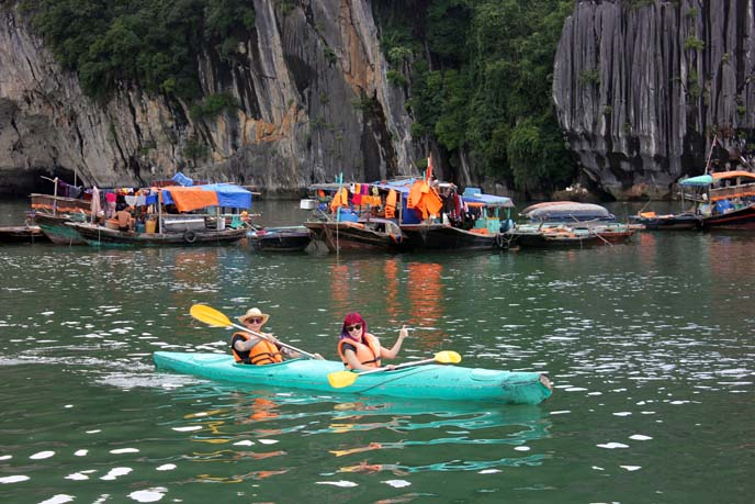 kayak tour caves vietnam