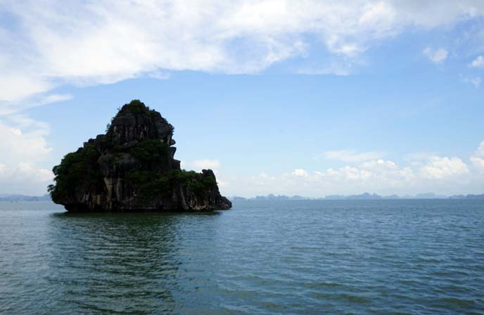 islands ha long bay