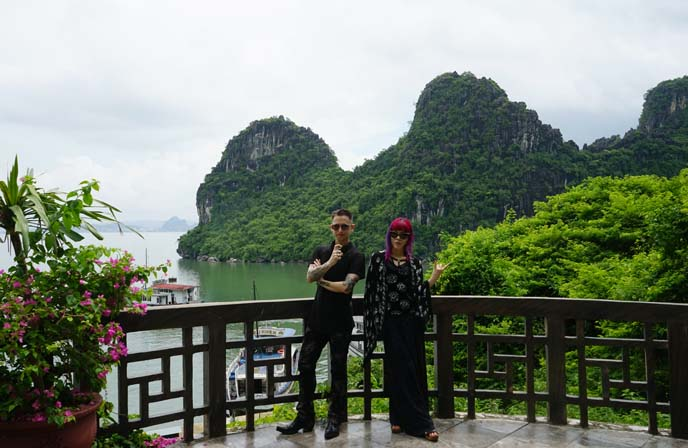 luxury boat tour vietnam
