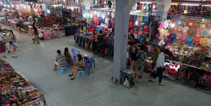 ha long bay night market
