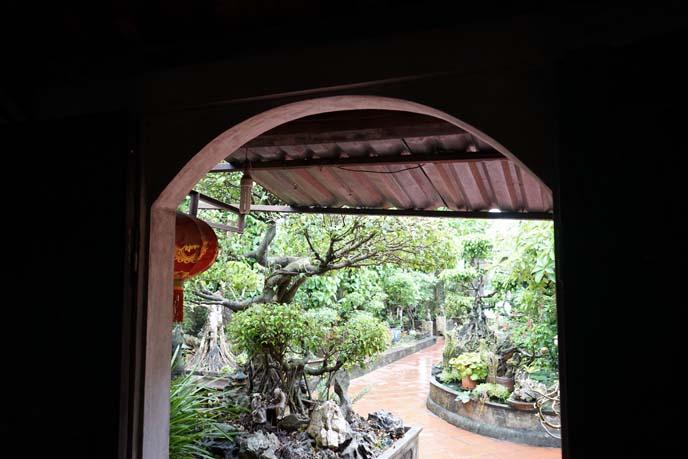 vietnamese garden, traditional house