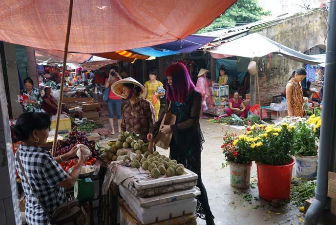 hanoi vietnam market, street food stalls