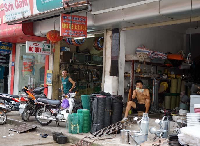 vietnamese men market