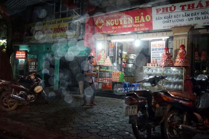 vietnam night market, bokeh sony a7 camera