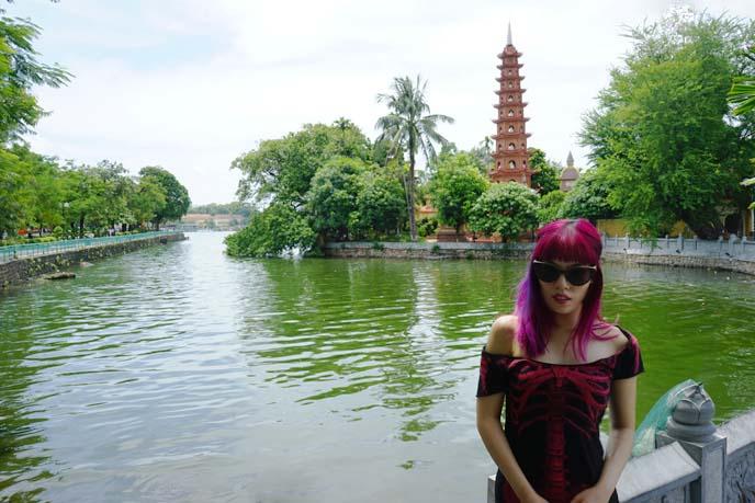 Trấn Quốc Pagoda, hanoi vietnam temple