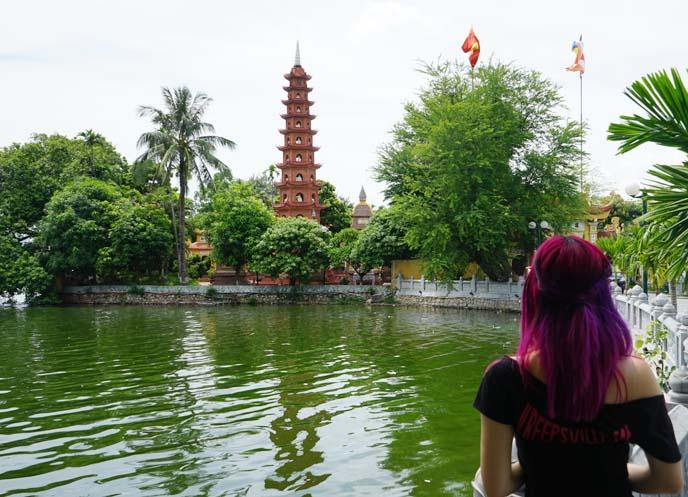 hanoi famous buddhist temple, pagoda pond