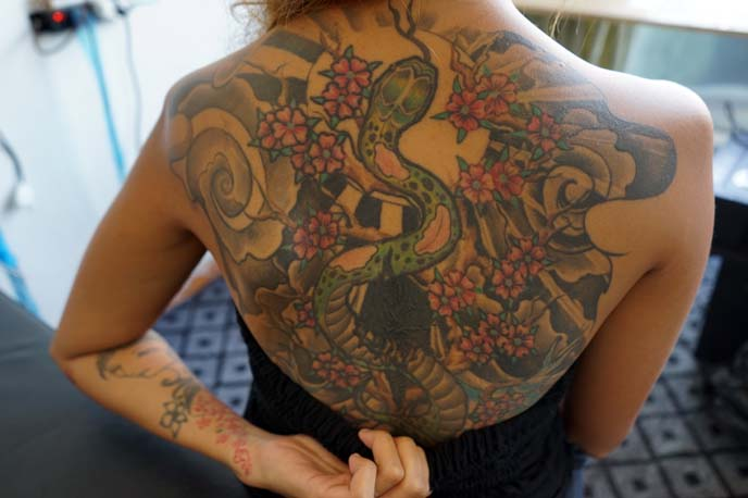 hanoi tattoo artist, back tattoo
