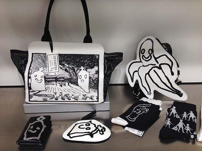 cute goth purses, black white japanese handbag