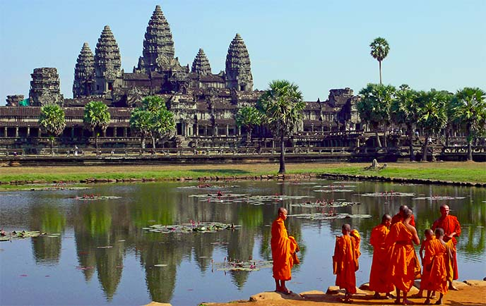 angkor wat buddhist monks, cambodia temple
